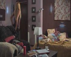 Красотка Наталья Гудкова засветила голую грудь в сериале «Атлантида» фото #3