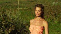 Сексуальная Анна Шерлинг в прозрачном наряде в сериале «Бабий бунт, или Война в Новоселково» фото #2