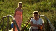 Сексуальная Анна Шерлинг в прозрачном наряде в сериале «Бабий бунт, или Война в Новоселково» фото #5