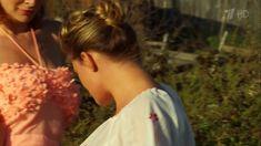 Сексуальная Анна Шерлинг в прозрачном наряде в сериале «Бабий бунт, или Война в Новоселково» фото #6
