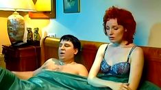 Голая попа Жанны Эппле в сериале «Бальзаковский возраст или Все мужики сво...» фото #3