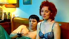 Голая попа Жанны Эппле в сериале «Бальзаковский возраст или Все мужики сво...» фото #5