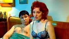Голая попа Жанны Эппле в сериале «Бальзаковский возраст или Все мужики сво...» фото #6
