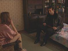 Юлия Михайлова оголила грудь в сериале «Бандитский Петербург 2: Адвокат» фото #1