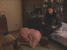 Юлия Михайлова оголила грудь в сериале «Бандитский Петербург 2: Адвокат» фото #6