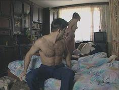Юлия Михайлова оголила грудь в сериале «Бандитский Петербург 2: Адвокат» фото #23