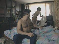 Юлия Михайлова оголила грудь в сериале «Бандитский Петербург 2: Адвокат» фото #24