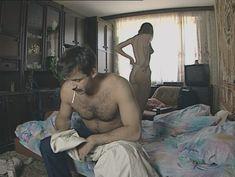 Юлия Михайлова оголила грудь в сериале «Бандитский Петербург 2: Адвокат» фото #26