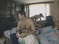 Юлия Михайлова оголила грудь в сериале «Бандитский Петербург 2: Адвокат» фото #27