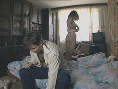 Юлия Михайлова оголила грудь в сериале «Бандитский Петербург 2: Адвокат» фото #30