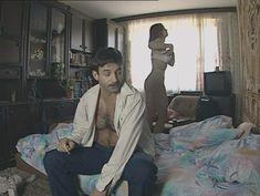 Юлия Михайлова оголила грудь в сериале «Бандитский Петербург 2: Адвокат» фото #31