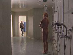Полностью голая Анна Лутцева в сериале «Бандитский Петербург 8: Терминал» фото #12
