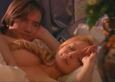 Сочная голая грудь Анны Табаниной в сериале «Бедная Настя» фото #4