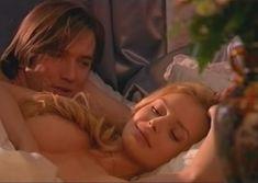 Сочная голая грудь Анны Табаниной в сериале «Бедная Настя» фото #5