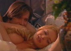 Сочная голая грудь Анны Табаниной в сериале «Бедная Настя» фото #7