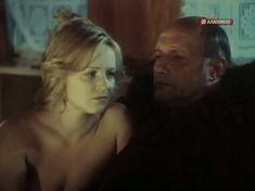 Шикарные голые сиськи Натальи Егоровой в фильме «Белые вороны» фото #5
