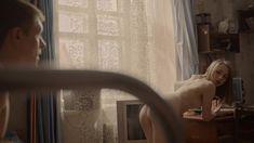Голая грудь Яны Енжаевой в сериале «Бесстыдники (Россия)» фото #41