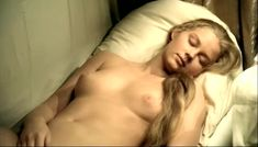 Сочная голая грудь Светланы Ходченковой в фильме «Благословите женщину» фото #14