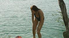 Эльвира Болгова снялась голой в сериале «Близнецы» фото #26