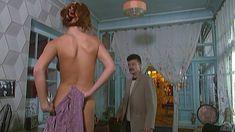 Эльвира Болгова снялась голой в сериале «Близнецы» фото #40