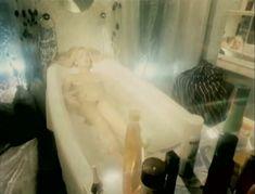 Полностью голая Александра Колкунова в фильме «Болотная street, или Средство против секса» фото #3