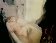 Полностью голая Александра Колкунова в фильме «Болотная street, или Средство против секса» фото #10