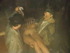Полностью голая Александра Колкунова в фильме «Болотная street, или Средство против секса» фото #12