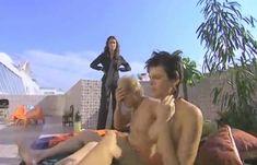Мария Семкина оголила грудь в сериале «В ритме танго» фото #4