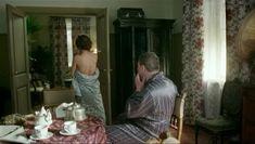 Голая попа Екатерины Климовой в сериале «Волчье солнце» фото #2