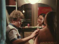 Елена Костина оголила сиськи в сериале «Воскресенье, половина седьмого» фото #5