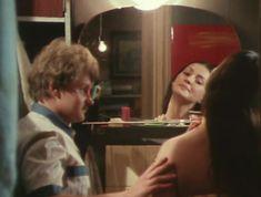 Елена Костина оголила сиськи в сериале «Воскресенье, половина седьмого» фото #6