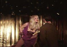 Страстная Анна Терехова оголила грудь и попу в фильме «Все то, о чем мы так долго мечтали» фото #31