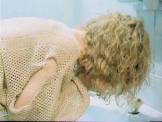 Наталья Белохвостикова засветила грудь в фильме «Выбор» фото #2