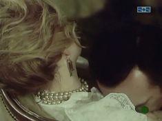 Наталья Егорова показала голую грудь в сериале «Грех» фото #4