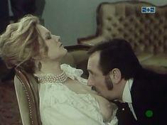 Наталья Егорова показала голую грудь в сериале «Грех» фото #5