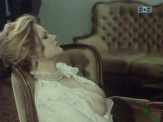 Наталья Егорова показала голую грудь в сериале «Грех» фото #7