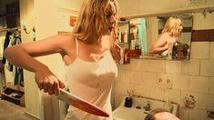 Голая грудь Юлии Мельниковой в сериале «Дело чести» фото #26