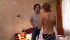 Мария Семкина оголила грудь в сериале «День гнева» фото #4