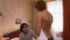 Мария Семкина оголила грудь в сериале «День гнева» фото #7