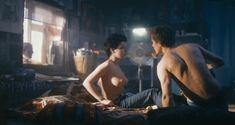 Красотка Анна Старшенбаум снялась полностью голой в фильме «Детям до 16...» фото #10