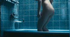 Красотка Анна Старшенбаум снялась полностью голой в фильме «Детям до 16...» фото #21