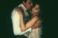 Анастасия Вертинская засветила грудь в сериале «Дни и годы Николая Батыгина» фото #4