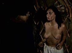 Александра Колкунова показала голые сиськи в сериале «Ермак» фото #1