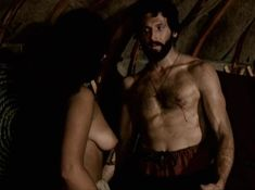 Александра Колкунова показала голые сиськи в сериале «Ермак» фото #6