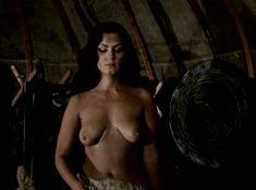 Александра Колкунова показала голые сиськи в сериале «Ермак» фото #8