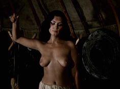 Александра Колкунова показала голые сиськи в сериале «Ермак» фото #9