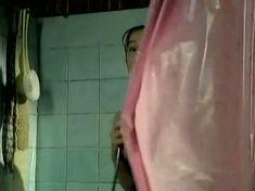 Голая грудь Аллы Югановой в сериале «Женить миллионера!» фото #5