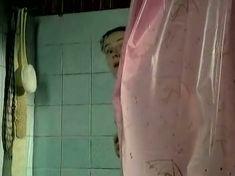 Голая грудь Аллы Югановой в сериале «Женить миллионера!» фото #6