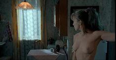Дарья Мороз показала голую грудь в сериале «Женщины в игре без правил» фото #1