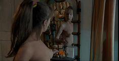 Дарья Мороз показала голую грудь в сериале «Женщины в игре без правил» фото #7
